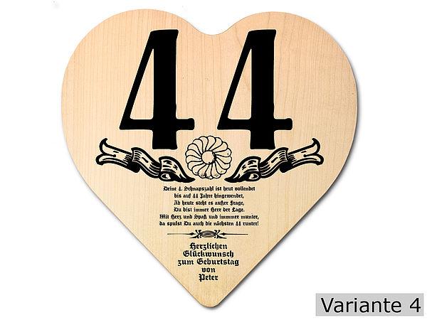 Geschenk zum 44. Geburtstag: Herz Holzschild mit Wunschtext